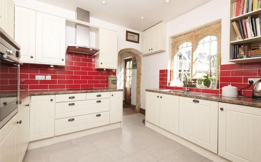 perierga.gr - Πωλείται το μικρότερο κάστρο στην Βρετανία και κοστίζει λιγότερο από ένα διαμέρισμα!