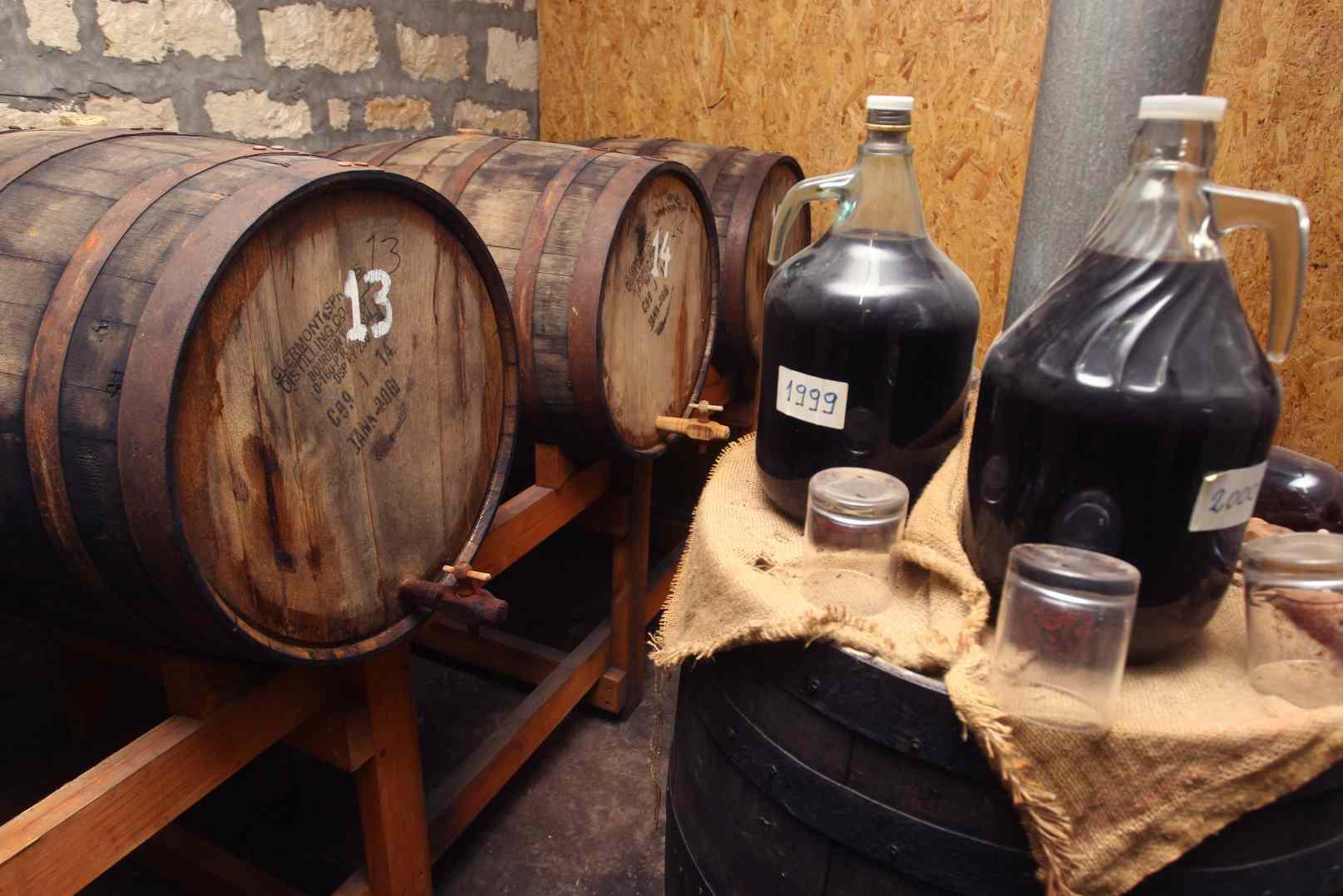 perierga.gr - To αρχαιότερο κρασί στον κόσμο παράγεται στην Κύπρο!
