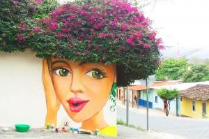 Έξυπνη τέχνη του δρόμου... συνδιαλέγεται με τη φύση!