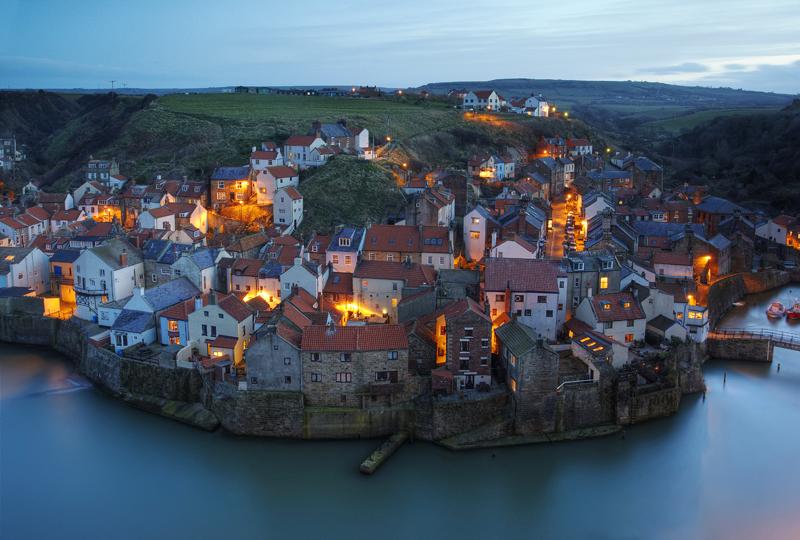 Ένα βρετανικό χωριό βγαλμένο από άλλη εποχή!
