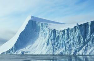 Παγόβουνα της Ανταρκτικής θα λύσουν το πρόβλημα της λειψυδρίας στα Εμιράτα…
