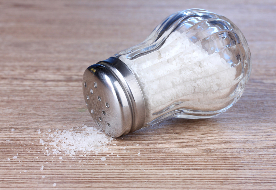 perierga.gr - Το αλάτι είναι άριστο καθαριστικό!