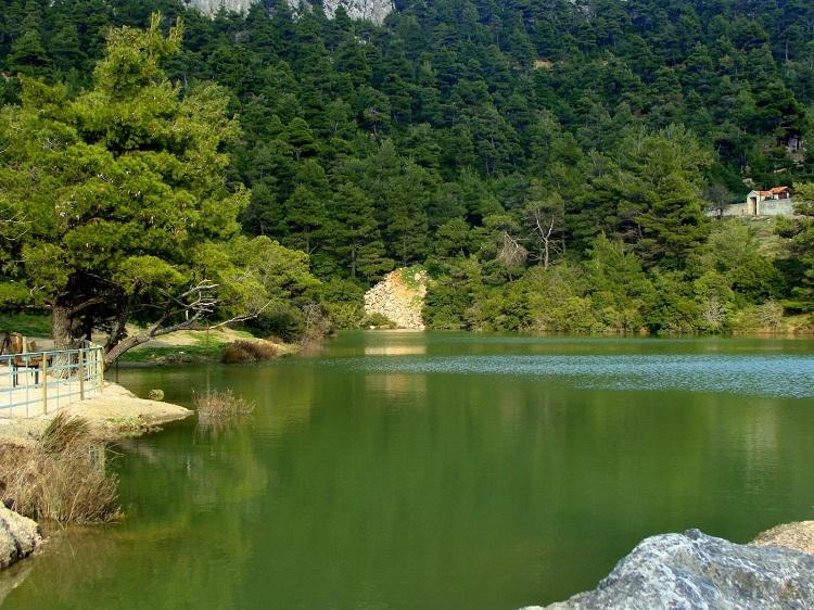 perierga.gr - Η άγνωστη λίμνη Μπελέτσι με το αλπικό τοπίο μισή ώρα από την Αθήνα!