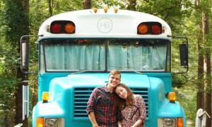 Μετέτρεψαν σχολικό λεωφορείο σε λειτουργικό σπίτι!