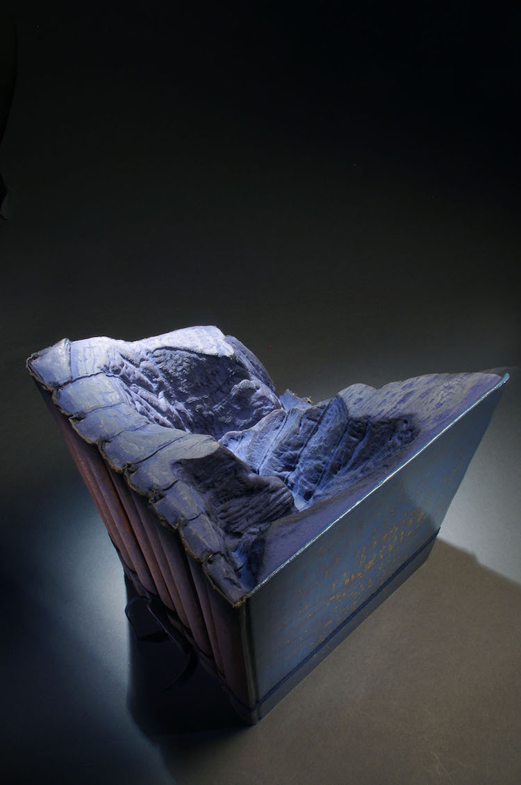 perierga.gr - Παλιές εγκυκλοπαίδειες μετατρέπονται σε... φυσικά τοπία!