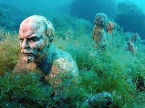Ένα υποβρύχιο μουσείο αφιερωμένο σε κομμουνιστές ηγέτες και όχι μόνο!