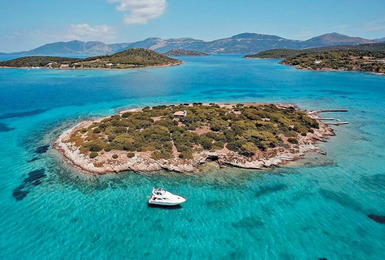 Perierga.gr - Ένας απέραντος τιρκουάζ παράδεισος, μόλις 2 ώρες από την Αθήνα!