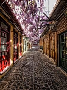 Βόλτα στα σοκάκια ελληνικών νησιών