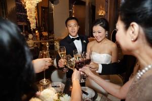 Γαμπρός πλήρωσε 200 άτομα να κάνουν τους συγγενείς του στον γάμο!