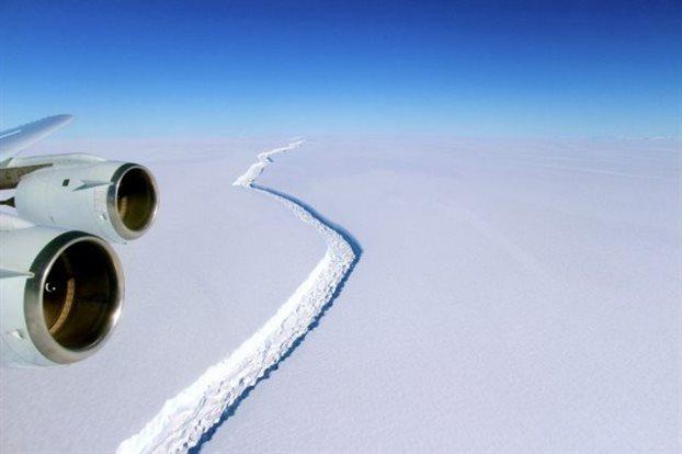 perierga.gr - Ανταρκτική: Αντίστροφη μέτρηση για ιστορική κατάρρευση παγετώνα!