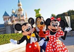 2.000 μέρες σερί πηγαίνει στην Disneyland!