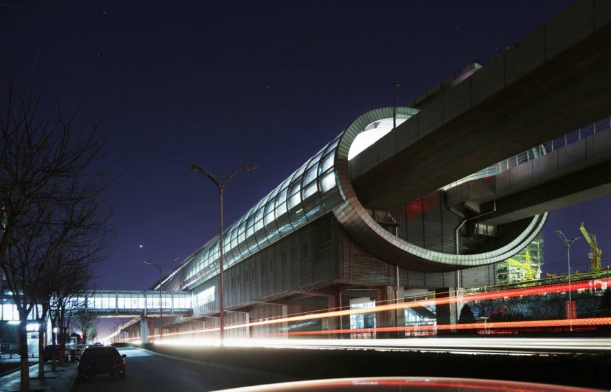 Οι νέοι σταθμοί Μετρό στο Πεκίνο μοιάζουν να έχουν βγει από ταινία φαντασίας!