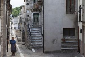 Ιταλικό χωριό χρησιμοποιεί την τέχνη για να αντιμετωπίσει την εγκατάλειψη!