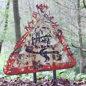 Στοιχεία της φύσης αποτυπώνονται πάνω σε σκουριασμένα αντικείμενα!