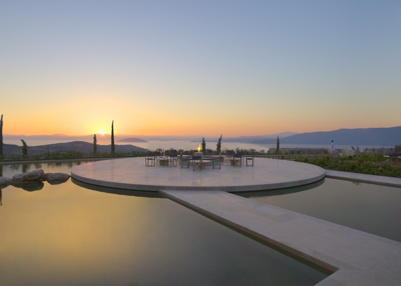 perierga.gr - Το πιο ακριβό ξενοδοχείο στην Ευρώπη βρίσκεται στην Ελλάδα!