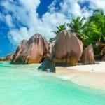 Νοερές βουτιές σε τιρκουάζ παραλίες του πλανήτη
