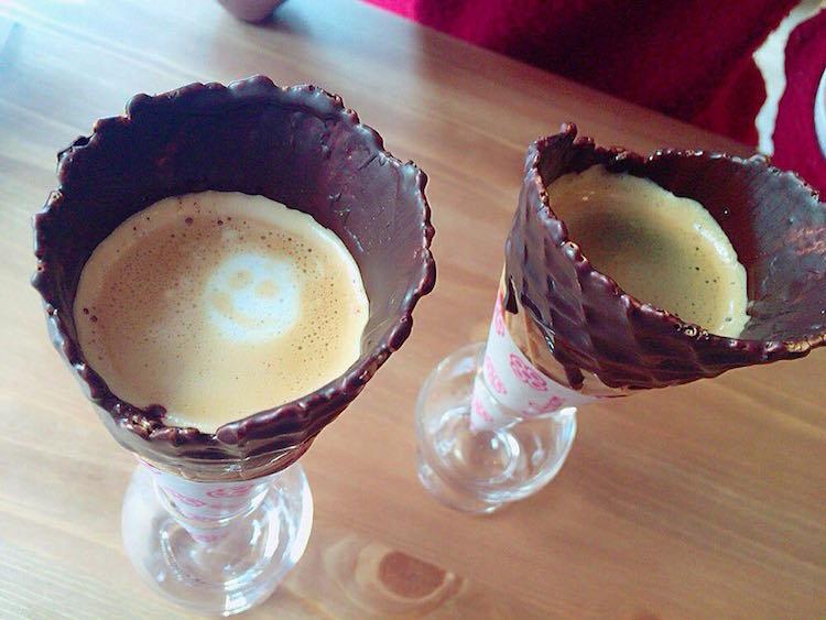 perierga.gr - Καφές σερβίρεται σε... λαχταριστό χωνάκι παγωτού!