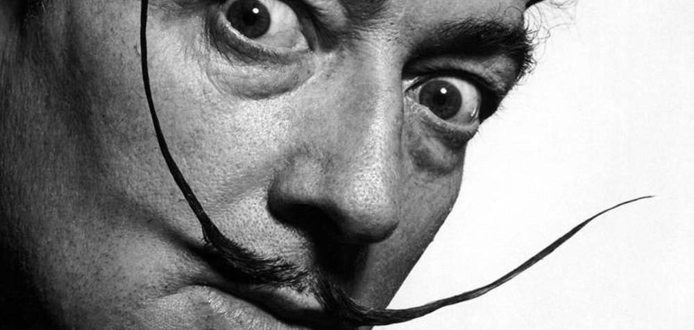 perierga.gr - Το μουστάκι του Νταλί βρέθηκε άθικτο στην εκταφή!