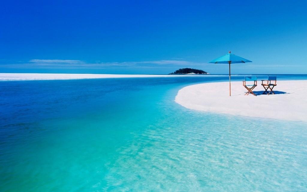 Perierga.gr   Πανέμορφη εξωτική παραλία με άμμο λευκή σαν το... χιόνι!