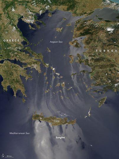 perierga.gr - Το φαινόμενο sunlight στο Αιγαίο κατέγραψε η NASA!