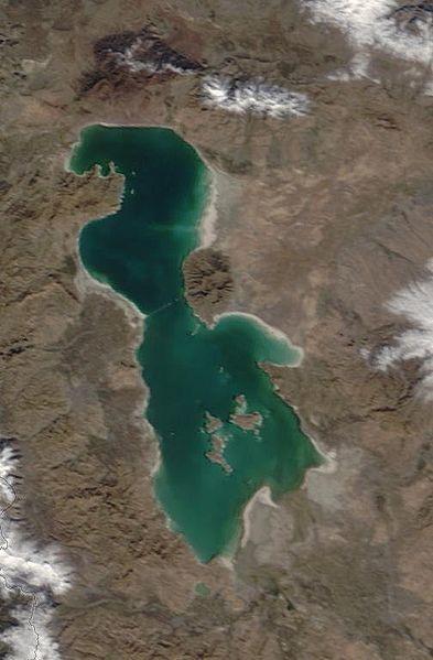 perierga.gr - Λίμνη έγινε από πρασινογάλαζη... κόκκινη