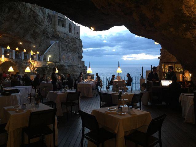 Εστιατόρια κάτω από το έδαφος!