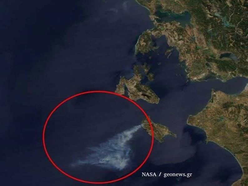 perierga.gr - Η εικόνα της φλεγόμενης Ζακύνθου από το Διάστημα!