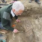Ερασιτέχνης αρχαιολόγος ανακάλυψε σπάνιο ρωμαϊκό μωσαϊκό!