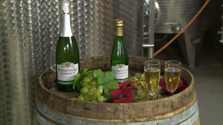 perierga.gr - Λευκό κρασί με... γεύση μπύρας!