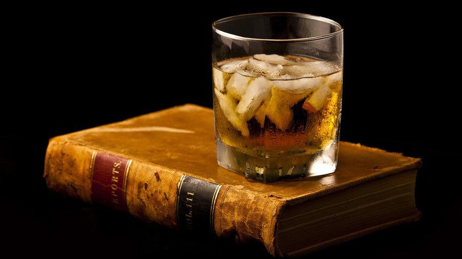 perierga.gr - Ένα ποτό μάς κάνει πιο δημιουργικούς!