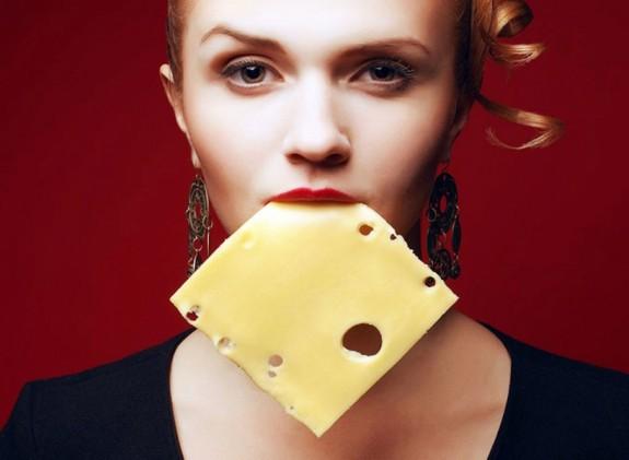 perierga.gr - Το τυρί χαρίζει... πόντους μακροζωίας!