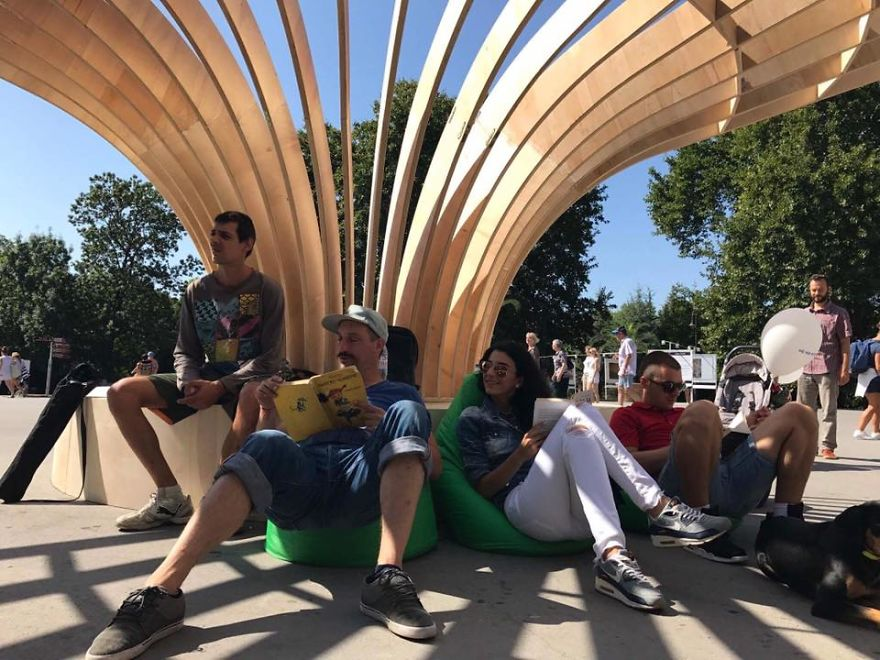 perierga.gr - Βιβλιοθήκες του... δρόμου ανοίγουν μια πόρτα τη μάθηση!
