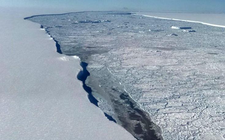 perierga.gr - Εντυπωσιακές εικόνες της NASA από τεράστιο παγόβουνο!