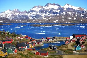 Tasiilaq: Ένα χωριουδάκι γεμάτο χρώμα στη Γροιλανδία
