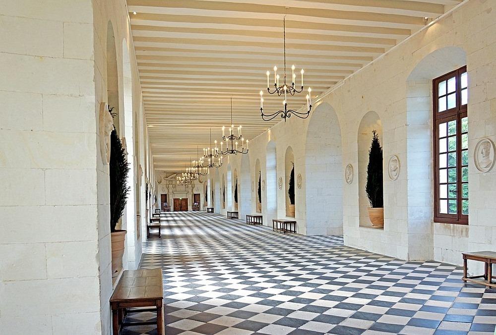 Perierga.gr - Ένα εντυπωσιακό παλάτι χτισμένο πάνω σε ποτάμι