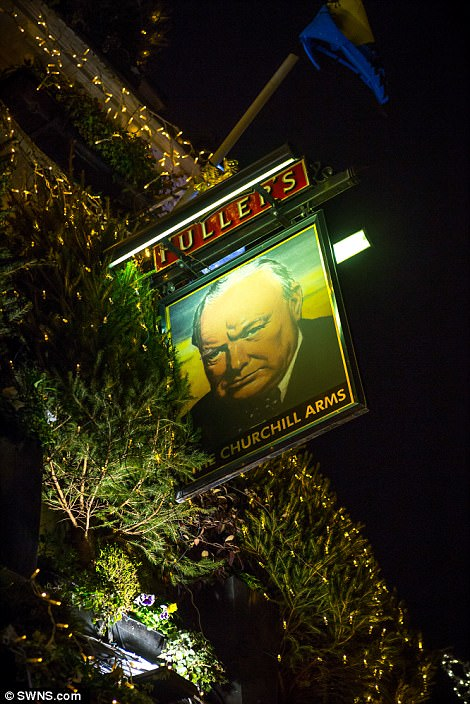 Perierga.gr - Η πιο χριστουγεννιάτικη παμπ στον κόσμο!