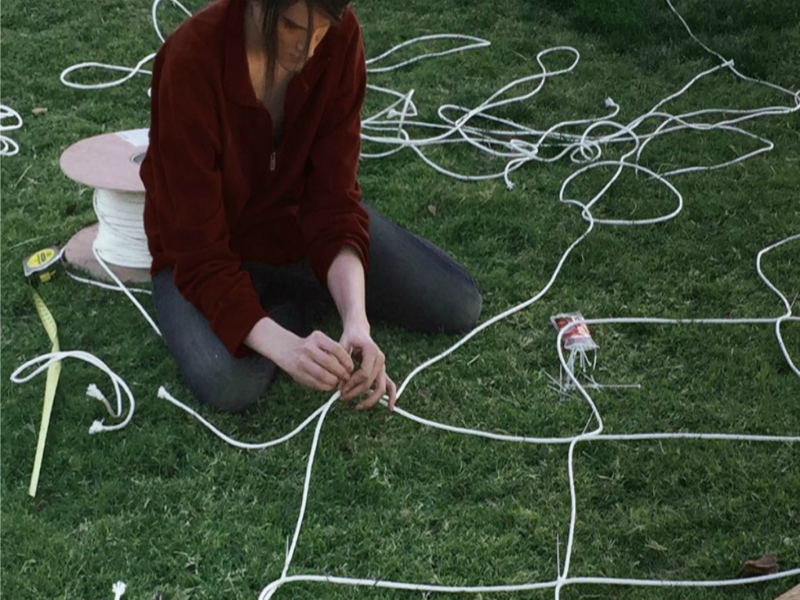 Perierga.gr - Καλλιτέχνης μεταμόρφωσε σπίτι στο παραμύθι Χάνσελ και Γκρέτελ