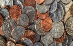 Perierga.gr - Ο άνθρωπος που πέρασε 6 μήνες μετρώντας 1.2 εκατομμύρια νομίσματα!