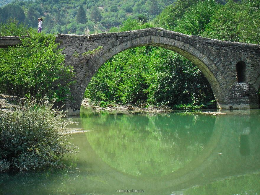 perierga.gr - Τα πέτρινα γεφύρια της Β. Ελλάδας είναι υπέροχα!