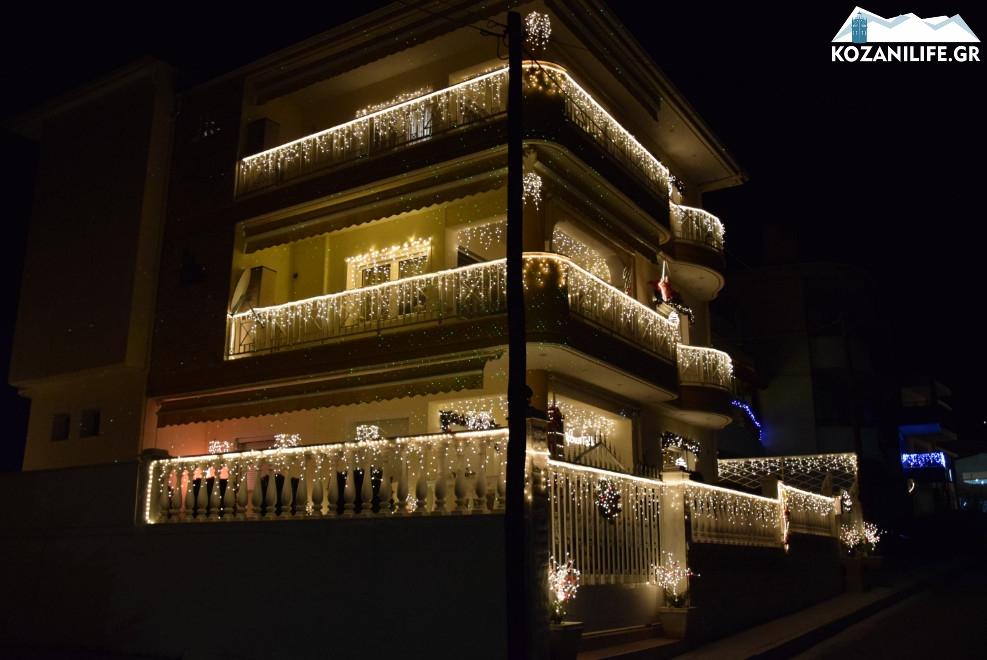 Perierga.gr - Το σπίτι με τον πιο εντυπωσιακό χριστουγεννιάτικο στολισμό στην Ελλάδα