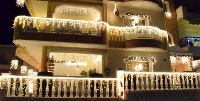 Το σπίτι με τον πιο εντυπωσιακό χριστουγεννιάτικο στολισμό στην Ελλάδα!