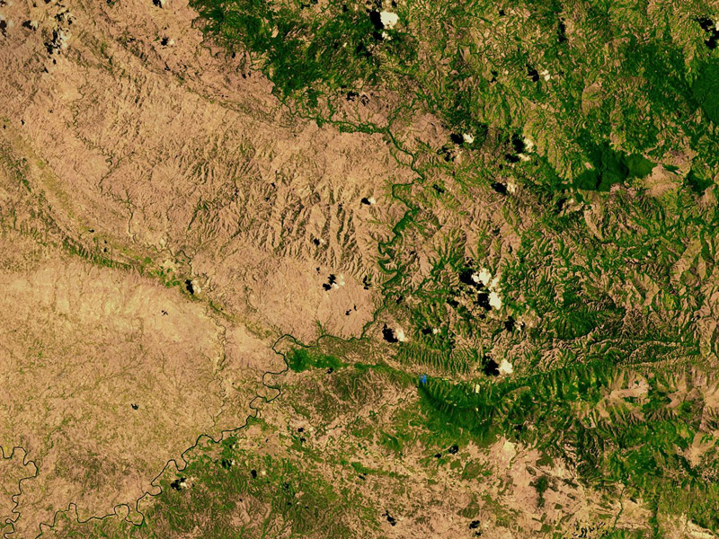 Perierga.gr - H αποκαρδιωτική αποψίλωση των δασών στη Αϊτή
