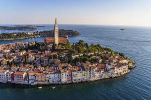Perierga.gr - Ρόβινι: Η κροατική πόλη που θυμίζει νησί