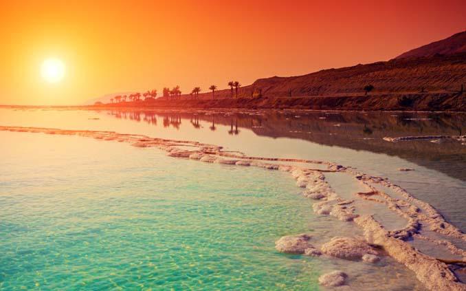 Perierga.gr - Εντυπωσιακές πληροφορίες για τη Νεκρά Θάλασσα