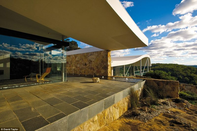 Perierga.gr - Αρχιτεκτονικά αριστουργήματα μακριά απ΄ όλους και όλα!
