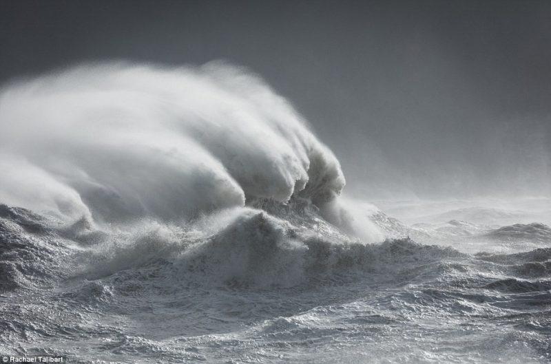 Perierga.gr - Η άγρια ομορφιά των κυμάτων της θάλασσας