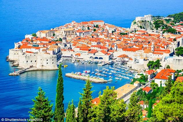 Perierga.gr - Κορυφαίοι ευρωπαϊκοί προορισμοί δεν τα βγάζουν πέρα με τους τουρίστες