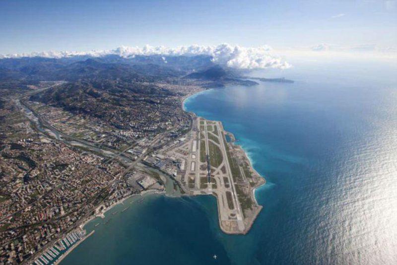 Perierga.gr - 10 αεροδρόμια που προσφέρουν ασύγκριτη θέα
