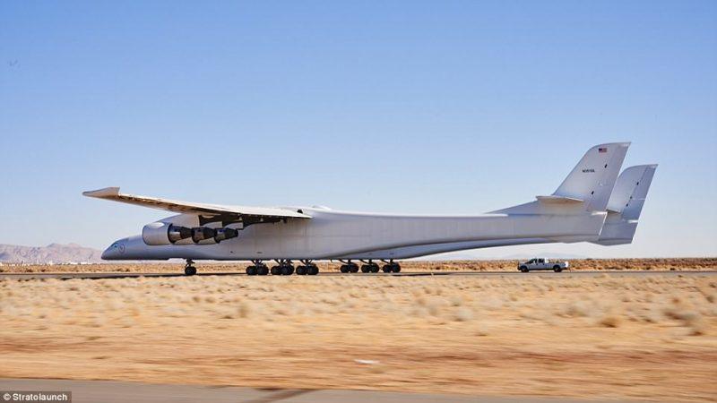 Perierga.gr - Το μεγαλύτερο αεροπλάνο του κόσμου απέχει λίγους μήνες από την πρώτη πτήση του