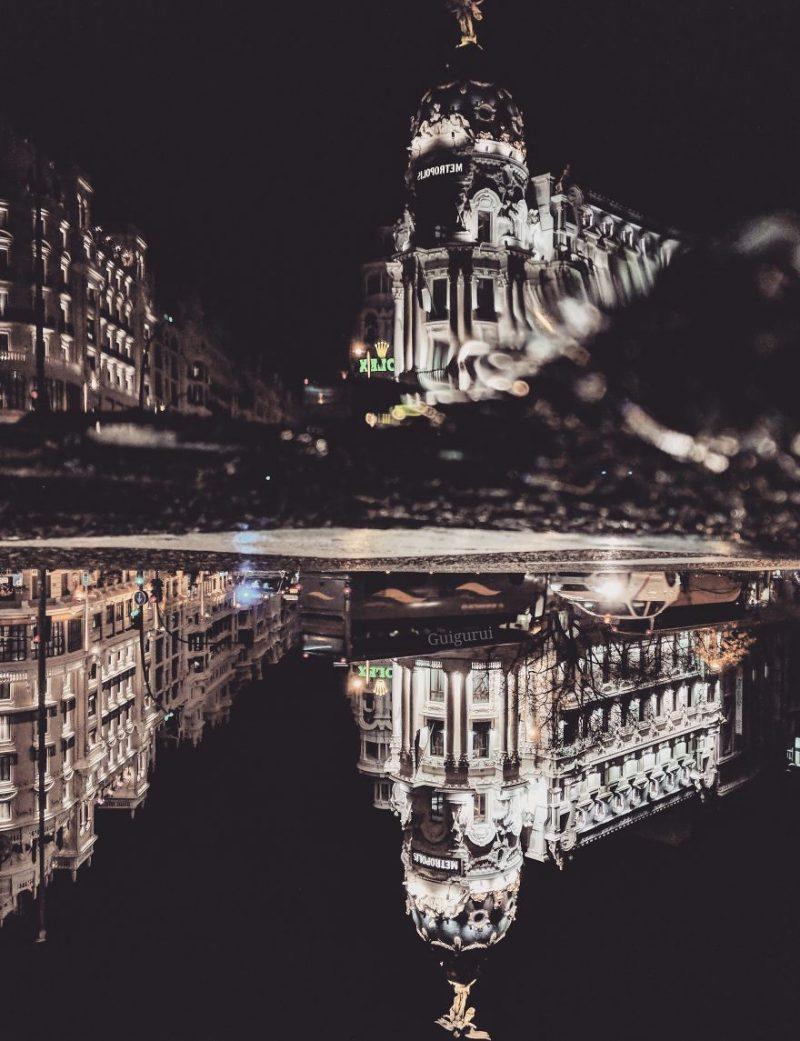 """Perierga.gr - Το... """"παράλληλο σύμπαν"""" εικόνων που αντανακλούν στο νερό"""